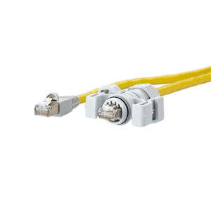Billede af Netværkskabel med IP67 stik i den ene ende og RJ45 stik i den anden ende. Længde 1 meter